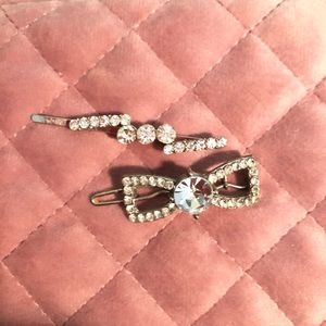 Statement hair barrette and Bobby pin
